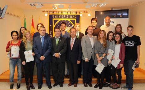 El Rector entrega los premios de la IV Olimpiada de Economía y Empresa de la Universidad Pablo de Olavide