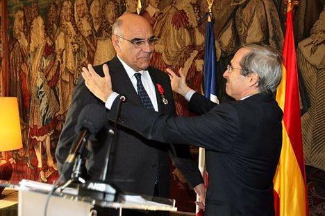 El Presidente de Abertis, Salvador Alemany, condecorado Oficial de la Legión de Honor de Francia