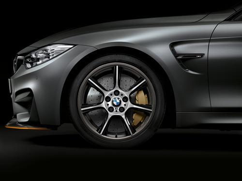 BMW M4 GTS con llantas de fibra de carbono