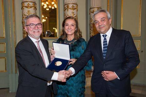AMETIC concede su `Medalla de Oro´a Mateo Valero