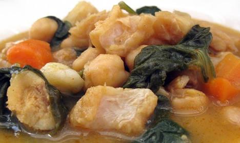 El Mercado de San Ildefonso incorpora el potaje de vigilia y las torrijas a su propuesta gastronómica en Semana Santa