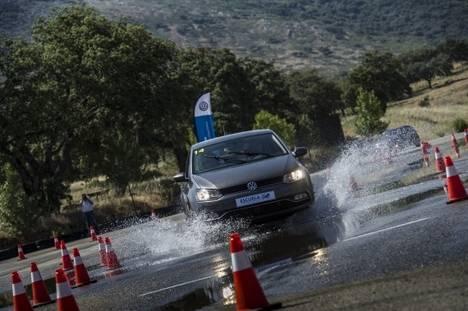 Volkswagen estrena curso de conducción para jóvenes en el circuito de Ascari