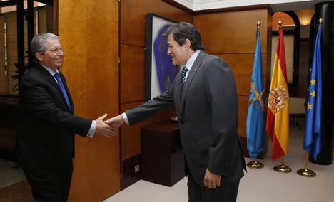 El presidente del Grupo CLH se reúne con el presidente del Principado de Asturias