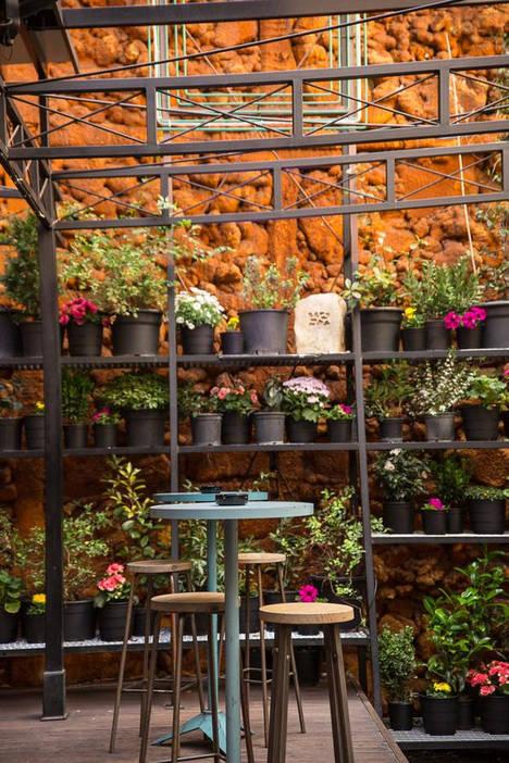 El Mercado de San Ildefonso, ofrece el terraceo más cool en el centro de Madrid