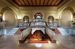 Alhambra Palace propone vivir un verano de lujo en Granada
