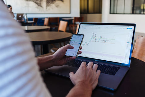 10 consejos para comprar acciones e invertir en bolsa