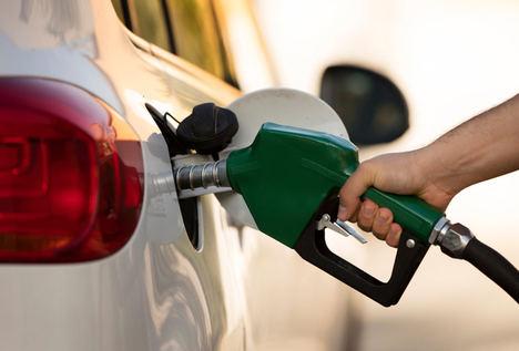 13 Consejos para ahorrar gasolina con una conducción eficiente