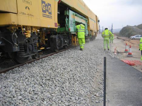 Trabajos en contratos de servicios de mantenimiento de infraestructura y vía llevado a cabo por G&O.