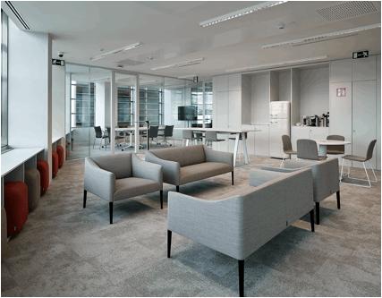 Ofita amuebla la sede corporativa de cuatrecasas en Empresas de construccion en barcelona