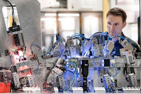 La ingeniería eléctrica para la maquinaria especial de Schaeffler lleva los diseños eléctricos estandarizados a nuevos mercados