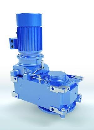 La campana de adaptación SAFOMI-IEC para reductores industriales MAXXDRIVE® de NORD DRIVESYSTEMS combinada con un motor de accionamiento: menos componentes, mayor fiabilidad operativa.