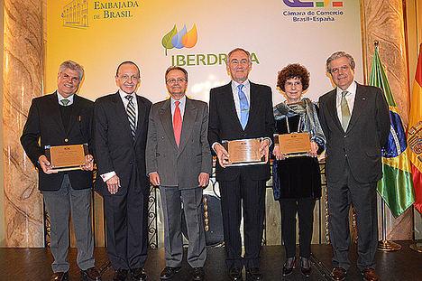 La Cámara de Comercio Brasil-España reconoce como empresario del año a José Domingo de Ampuero y Osma, presidente de Viscofan