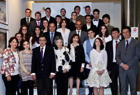 20 antiguos alumnos del Programa de Altas Capacidades de la Comunidad reciben el premio Max Mazin como apoyo a sus estudios universitarios
