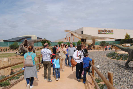 Territorio Dinópolis atrae a 17.634 visitantes durante esta Semana Santa, superando la cifra del año anterior