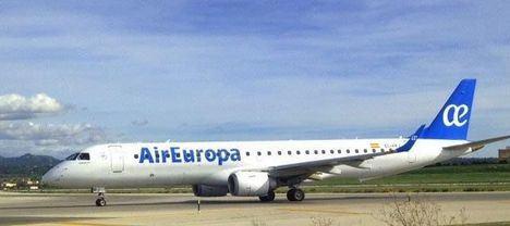 Air Europa se suma al World Cleanup Day con la limpieza de una zona costera de Mallorca