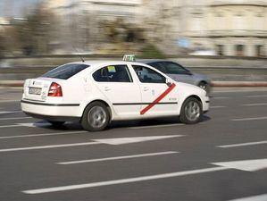 Los taxistas madrileños inician un paro indefinido ante la falta de voluntad política de la Comunidad de Madrid para regular las VTC