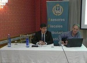 De izqda. a dcha. Vicente Poquet, presidente de AFTCM y Julio Bonmatí.
