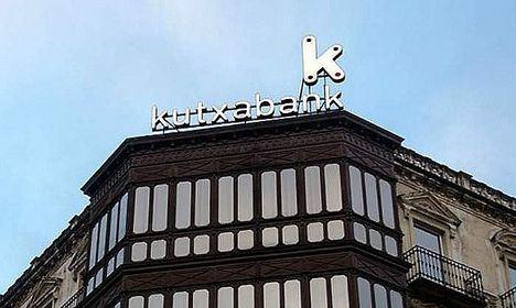 Kutxabank finaliza 2020 afianzada como la entidad más solvente
