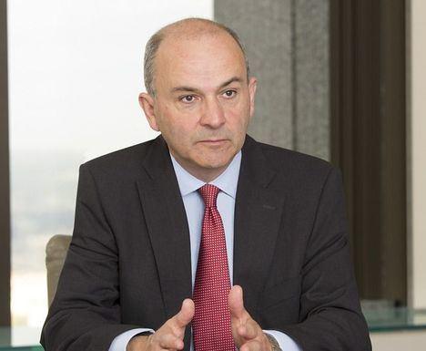 Robert Lind, Capital Group.