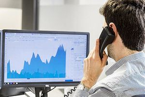 La caída de los rendimientos y los buenos datos económicos animan a los mercados y a las divisas emergentes