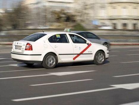 """El taxi de Madrid rechaza la nueva ordenanza reguladora del Consistorio y asegura que """"hace oídos sordos"""" a las reivindicaciones del sector"""
