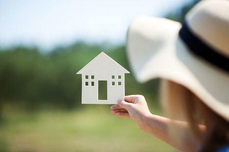 La compraventa de viviendas por extranjeros desciende un 9,9% interanual en Cataluña