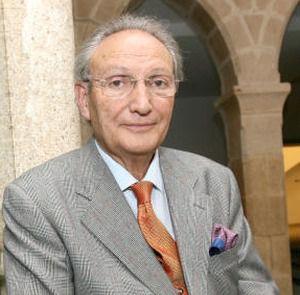 Entrevista al Dr. Vela Navarrete, catedrático de urología
