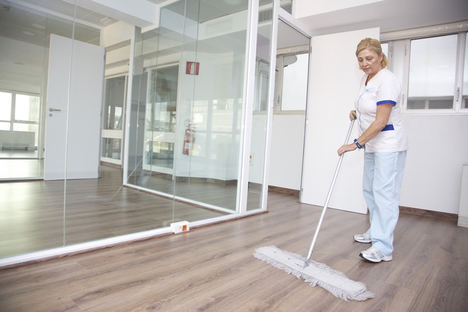 8 de cada 10 trabajadores afirman que la limpieza en el trabajo influye en su rendimiento y salud