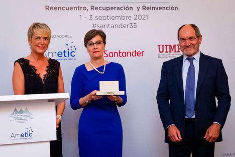 AMETIC premia a la Ingeniería de Telecomunicación, por su aportación al proceso de digitalización de la empresa española