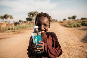 AUARA genera 12,4 millones de litros de agua potable en países en desarrollo en 2019 con la venta de su agua mineral