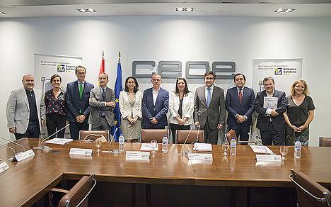 El presidente de la CEOE, Antonio Garamendi, insta a las empresas españolas a que marquen la X con fines sociales en el Impuesto de Sociedades