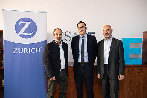 De izqda a dcha, Xavier Tuduri, Chief Executive Officer de Servizurich, Manu Carricano, Director del ESADE Institute for Data-Driven Decisions (ESADEd3) y Jordi Calbet, Chief Operating Officer del Grupo Zurich en España.
