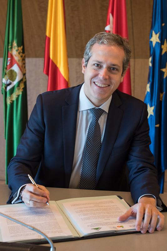 Leroy merlin firma un nuevo acuerdo con la universidad for Oficina relaciones internacionales uam