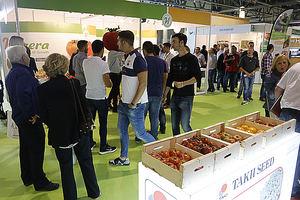 Agricultores visitando stands de empresas expositoras durante Infoagro Exhibition 2017.