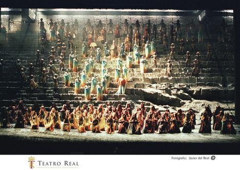 Aída vuelve al Teatro Real, 20 años después, con un homenaje a Pedro Lavirgen