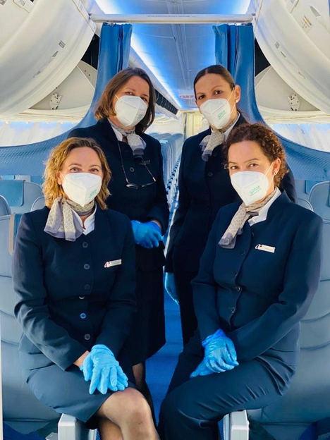 Air Europa entrega mascarillas a todos sus pasajeros