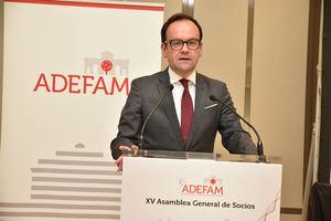 Alberto Zoilo Alvarez, presidente de ADEFAM, en la XV Asamblea de la Asociación.
