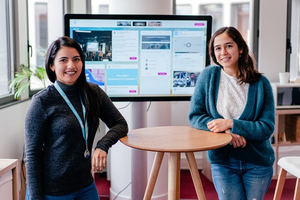 Alejandra Vásquez (dcha.) country manager y Ana Pérez, departamento de atención al cliente en Steeple.