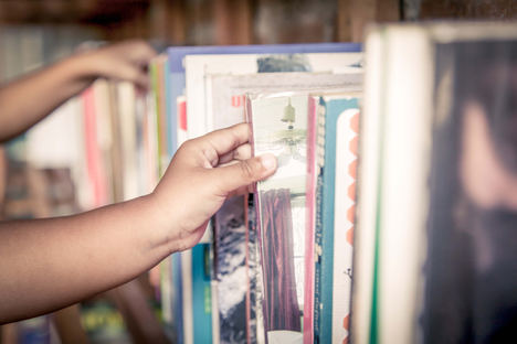 Más del 65% de los padres españoles ya compra online libros de texto y material escolar, un 13,2% más que en 2017 y un 24,3% más que en 2016