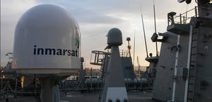 Antena Inmarsat en Fragata Cristóbal Colón.