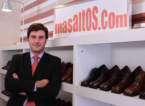 El artesano italiano Gianni Garzanero diseña la nueva línea de zapatos de lujo de Masaltos.com