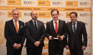 Antonio Huertas, financiero del año por ECOFIN
