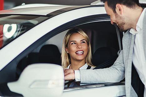 Así son las mujeres y su relación con los coches: racionales y preocupadas por el medio ambiente