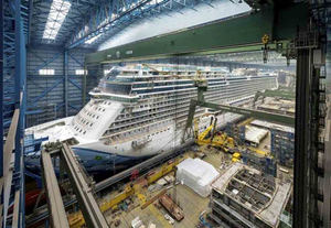 Astileros Meyer Werft, Crucero noruego en contrucción.