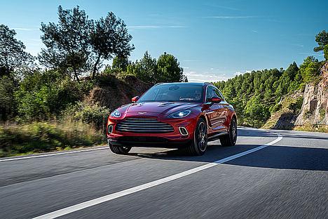 Aston Martin presenta el DBX: un todoterreno con alma de coche deportivo