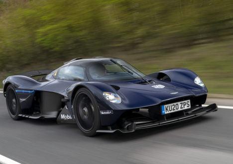 El Aston Martin Valkyrie sale a la carretera
