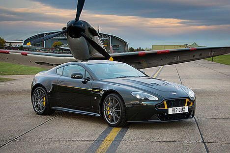 La serie Aston Martin Wings despega