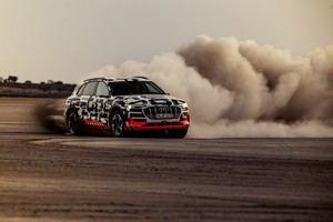 Audi e-tron prototype: dinámica de conducción electrizante