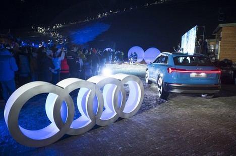 Audi une la tecnología de iluminación LED y el esquí