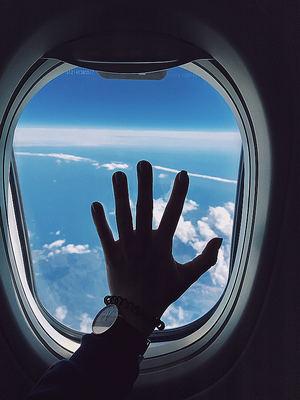 Dos de cada tres españoles han tenido un compañero de avión que olía mal, según Jetcost